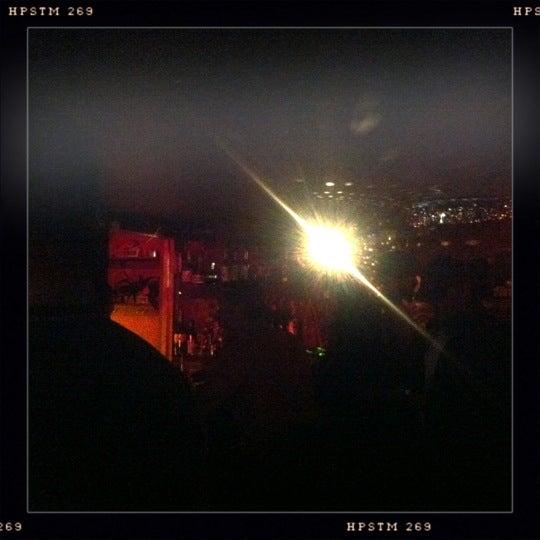 Das Foto wurde bei Nowhere Bar von Guy am 3/8/2012 aufgenommen