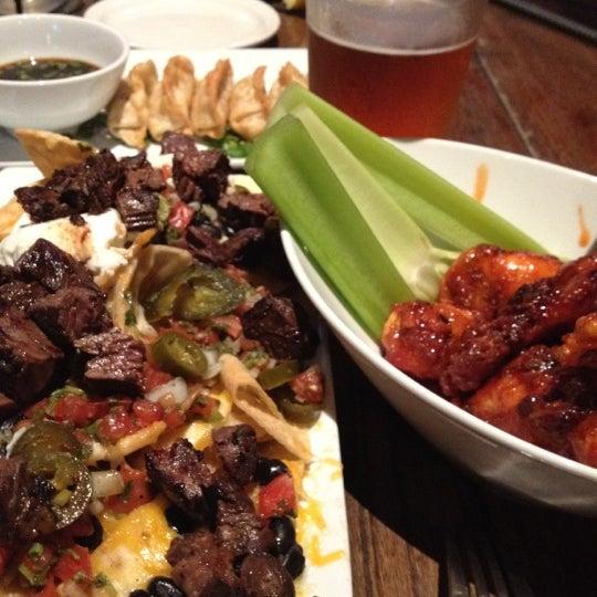 Foto scattata a SmithHouse - BBQ, Burgers, Brews da gina m. il 7/10/2012