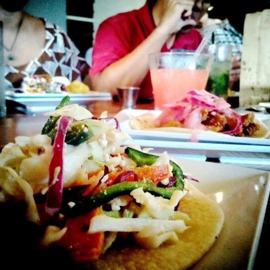 Снимок сделан в TNT - Tacos and Tequila пользователем Jin C. 7/19/2012
