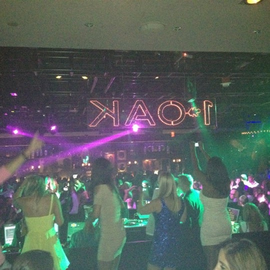 Photo prise au 1 OAK Nightclub par Shaggy N. le7/14/2012