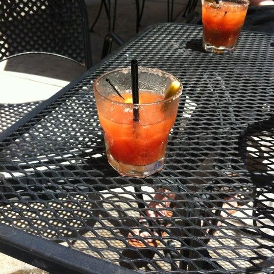 Foto tirada no(a) Redwing Bar & Grill por Bianca P. em 5/7/2012