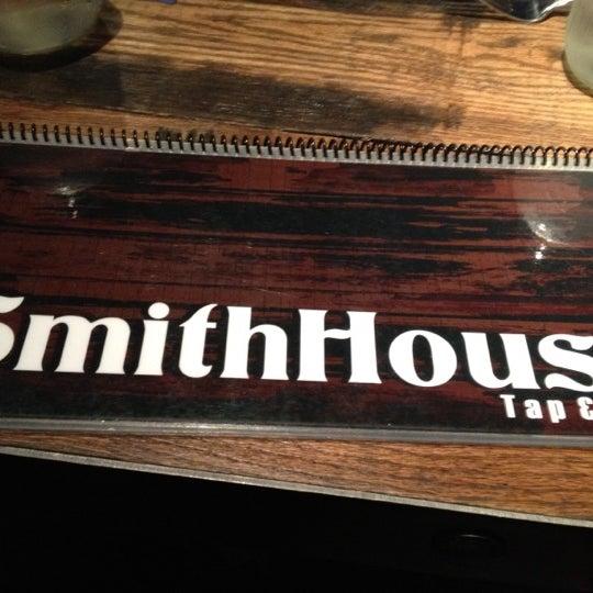 Foto scattata a SmithHouse - BBQ, Burgers, Brews da Mike M. il 4/19/2012