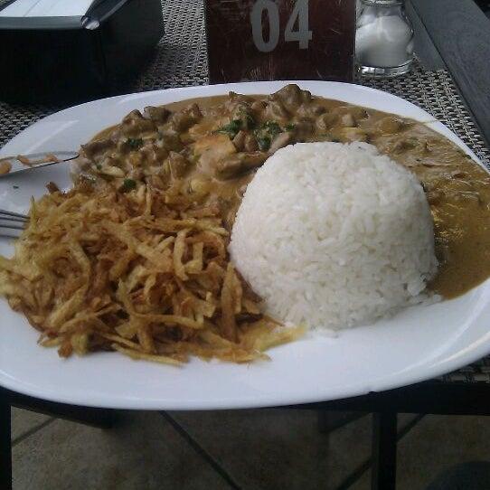 Foto tomada en Eskina Bar e Restaurante por Tiago T. el 5/14/2012