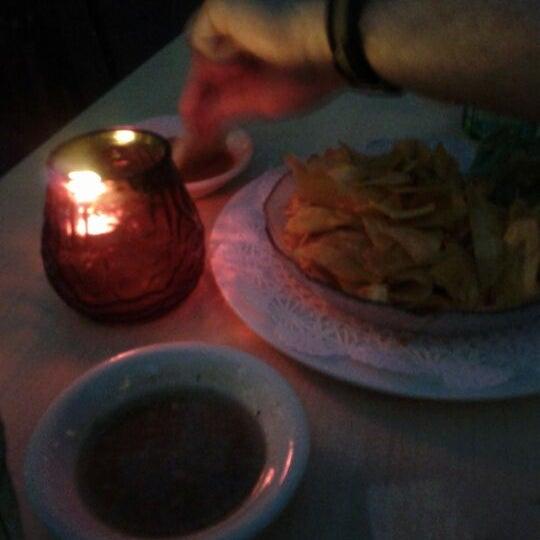 Foto diambil di El Meson de Pepe Restaurant & Bar oleh Todd S. pada 5/4/2012