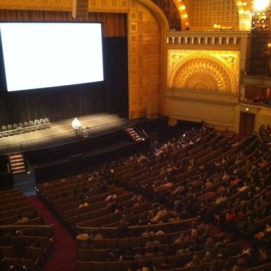 3/1/2012 tarihinde Jessica S.ziyaretçi tarafından Auditorium Theatre'de çekilen fotoğraf