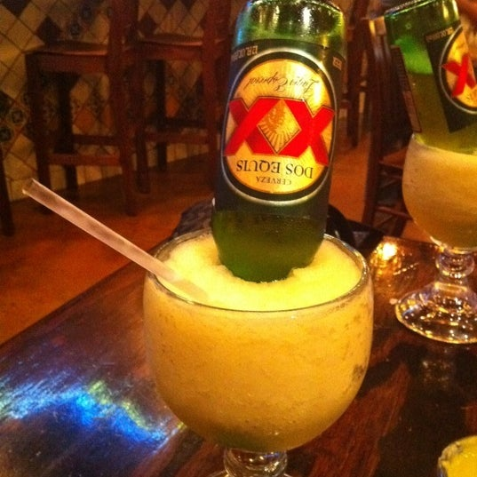 Das Foto wurde bei Mi Pueblito Restaurant Bar & Grill von Adriana T. am 10/24/2011 aufgenommen