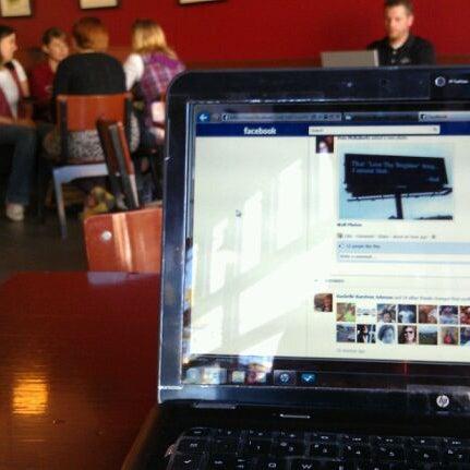 Foto tomada en Mars Cafe por Romelle S. el 9/30/2011