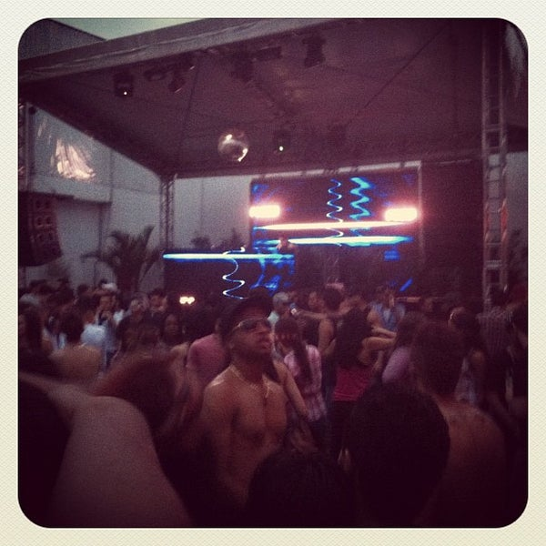 Foto diambil di Flexx Club oleh Llipe F. pada 10/30/2011