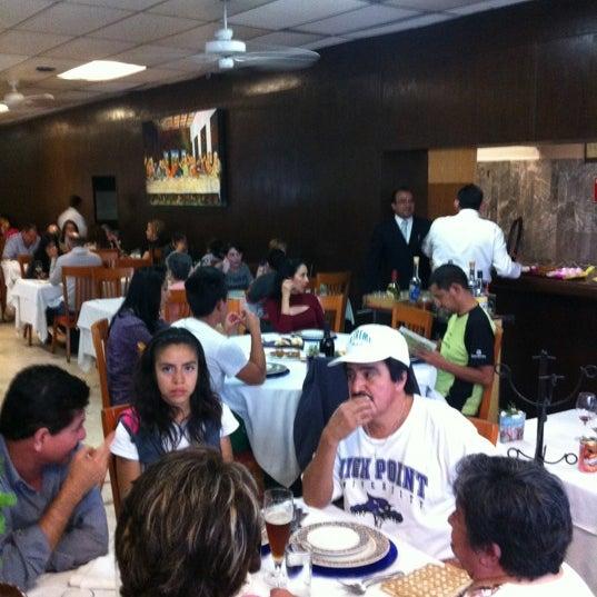 Das Foto wurde bei Restaurante Nicos von Paulina C. am 3/31/2012 aufgenommen