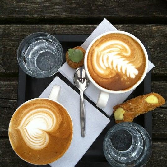 Foto tomada en Espressofabriek por Menno L. el 6/21/2012