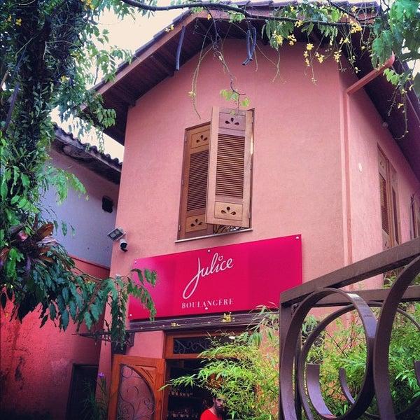 รูปภาพถ่ายที่ Julice Boulangère โดย Simone A. เมื่อ 2/11/2012