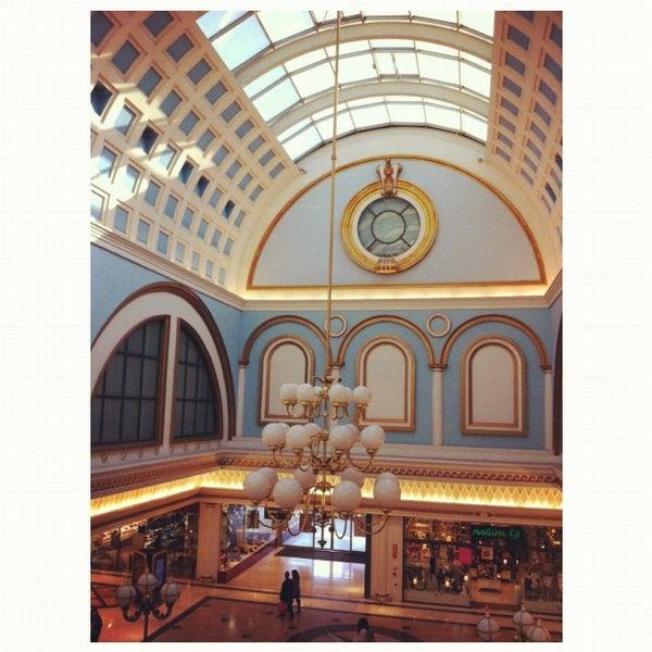 Foto tomada en Centro Comercial Gran Vía 2 por RΔBΔSZ ✪. el 11/24/2011