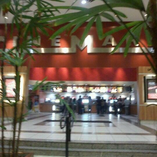 Das Foto wurde bei Grand Plaza Shopping von Mariane B. am 11/14/2011 aufgenommen
