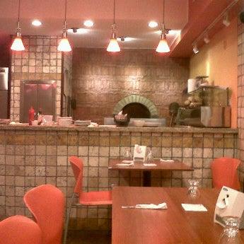 Foto tomada en Da Noi Pizzeria Ristorante por Fernando C. el 9/8/2011