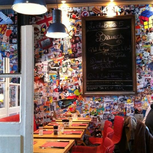 Foto tomada en Le Club des 5 por Chantal C. el 5/20/2012