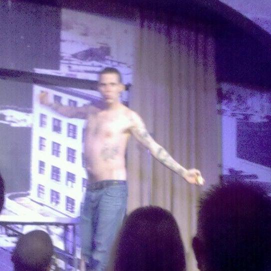 8/28/2011にGrumpyがStand Up Liveで撮った写真