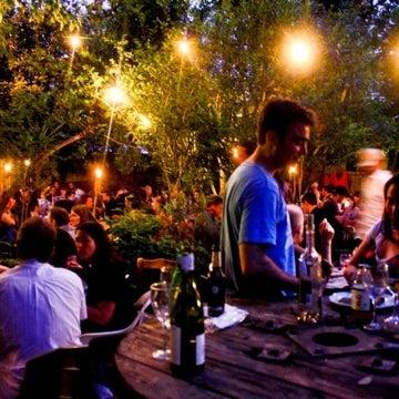 Photo prise au Bacchanal Wine par Bacchanal W. le12/26/2010
