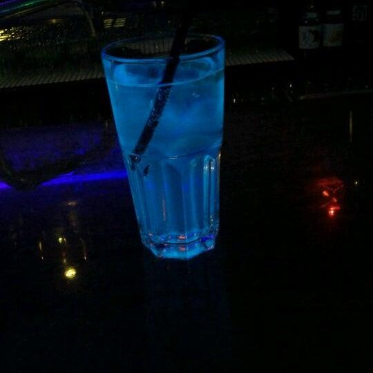 Foto tomada en Le Ghost Pub : Music Bar por Jonathan M. el 12/12/2011