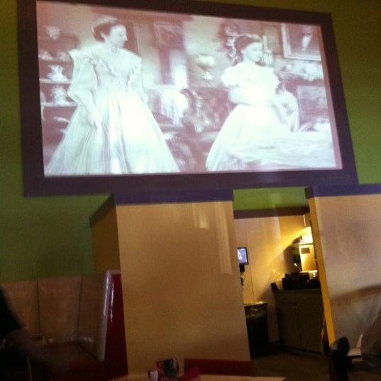 Снимок сделан в El Real Tex-Mex Cafe пользователем Ed T. 10/18/2011