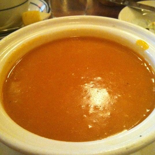 Снимок сделан в La Bonne Soupe пользователем Leslie T. 4/5/2012