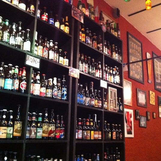 Foto tirada no(a) The Beer Box por TheBeerBox S. em 8/13/2011