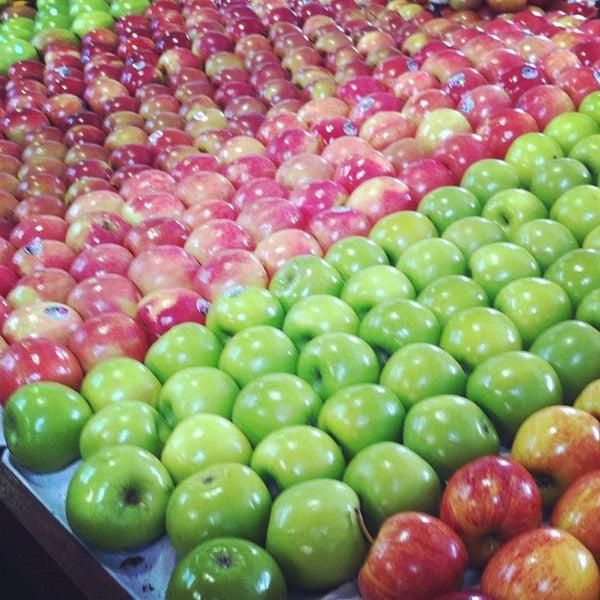 Foto diambil di Queen Victoria Market oleh Vishnu S. pada 12/3/2011