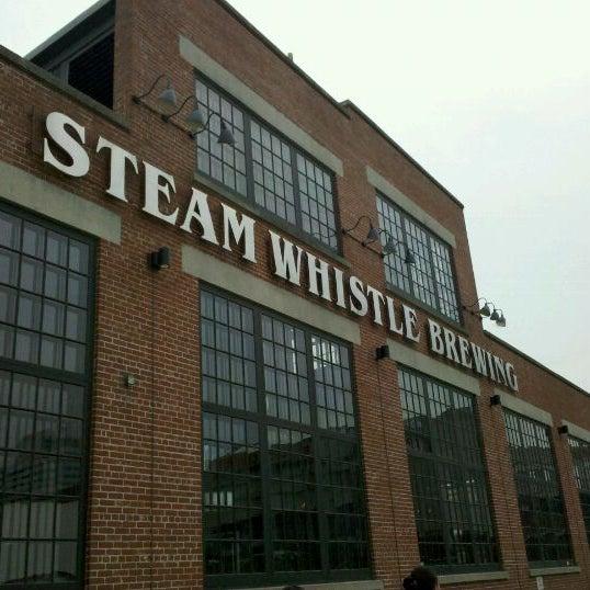 8/21/2011 tarihinde Brian M.ziyaretçi tarafından Steam Whistle Brewing'de çekilen fotoğraf