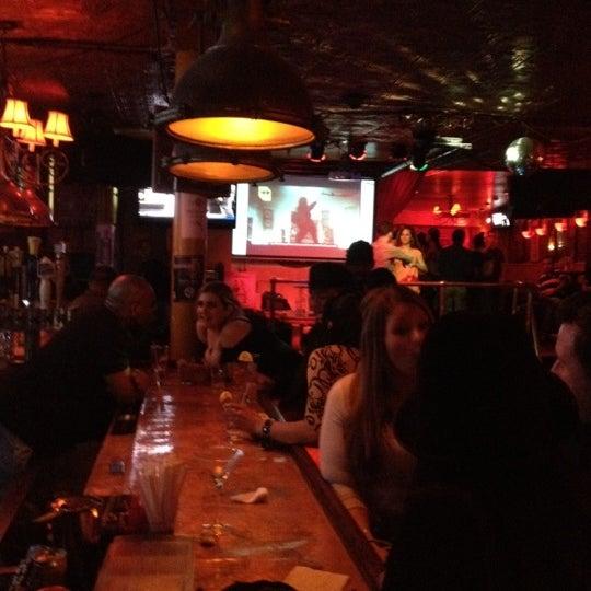 Foto tirada no(a) Bar Nine por Jasmine L. em 4/28/2012