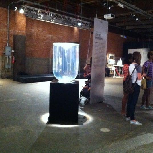 Das Foto wurde bei Eyebeam Art + Technology Center von Hyewon E. am 7/10/2012 aufgenommen