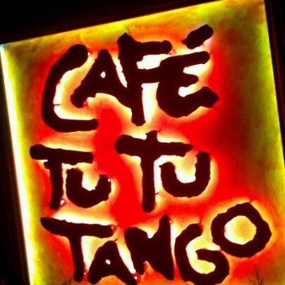 Foto diambil di Café Tu Tu Tango oleh Wayne W. pada 10/20/2011