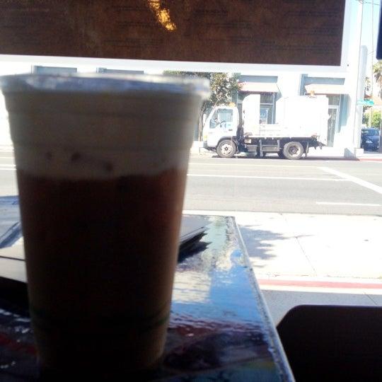 Foto tirada no(a) Dogtown Coffee por Shane B. em 8/14/2012