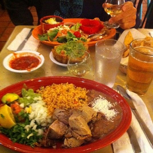 รูปภาพถ่ายที่ Cafe Coyote โดย Nick V. เมื่อ 10/18/2011