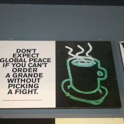 Foto tirada no(a) Ports Coffee & Tea Co. por Maarten P. em 9/17/2011