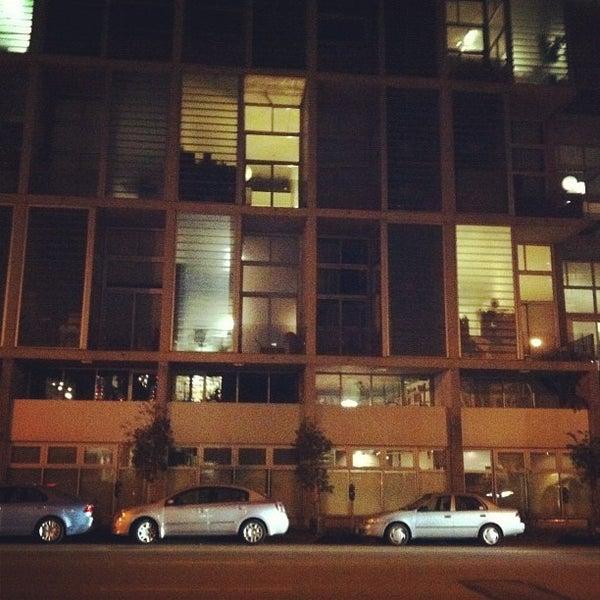 รูปภาพถ่ายที่ Oola Restaurant & Bar โดย Alice N. เมื่อ 12/7/2011