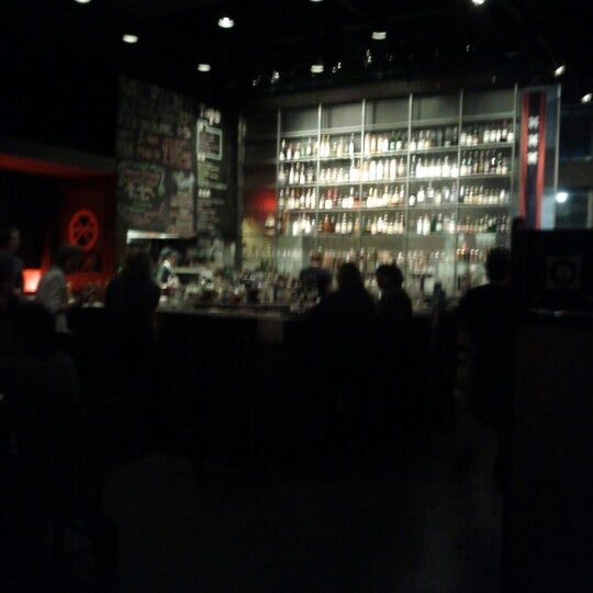 Foto diambil di Amsterdam Bar & Hall oleh Nick L. pada 9/7/2012