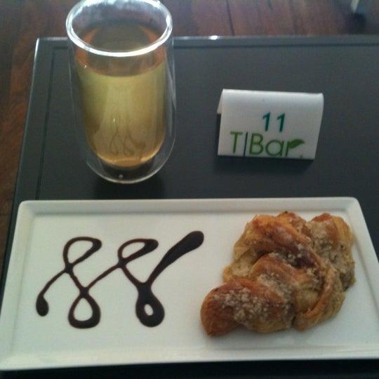 Снимок сделан в T|Bar пользователем Montserrat 9/12/2012