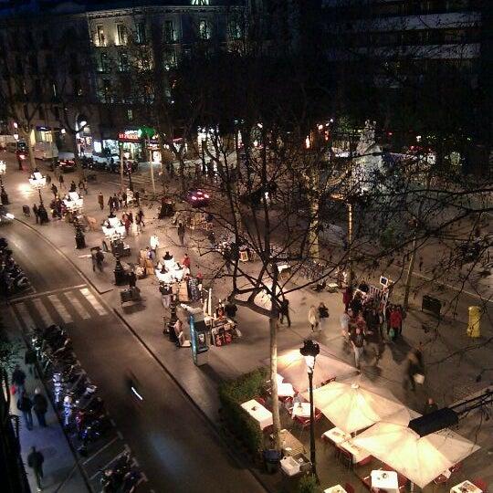 Foto diambil di Hotel Arc La Rambla oleh Aurelien G. pada 3/5/2012