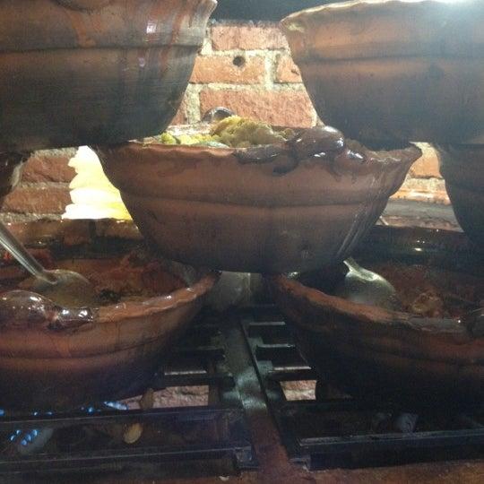รูปภาพถ่ายที่ Tacos Gus โดย Pam E. เมื่อ 5/31/2012