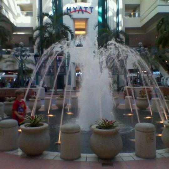 Das Foto wurde bei Flughafen Orlando (MCO) von Rebecca am 2/15/2012 aufgenommen