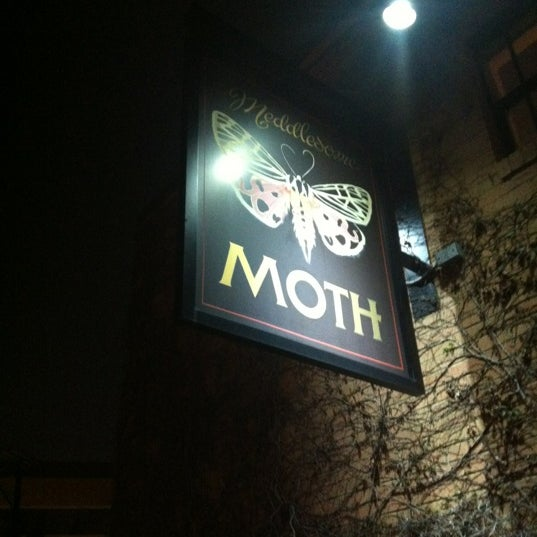 Photo taken at Meddlesome Moth by Barb-o-joy on 4/8/2012