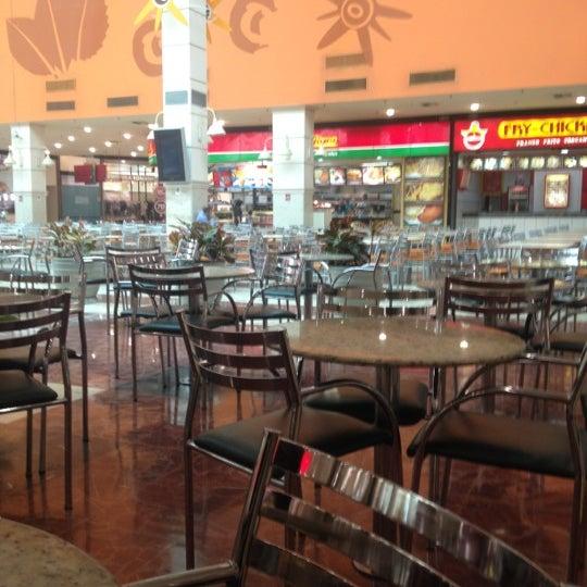 Das Foto wurde bei Grand Plaza Shopping von Clayton F. am 8/27/2012 aufgenommen