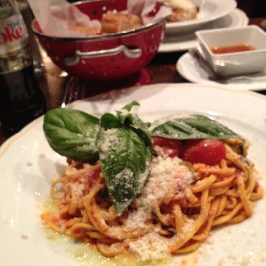 Foto diambil di Bottega del Vino oleh Danielle S. pada 5/5/2012