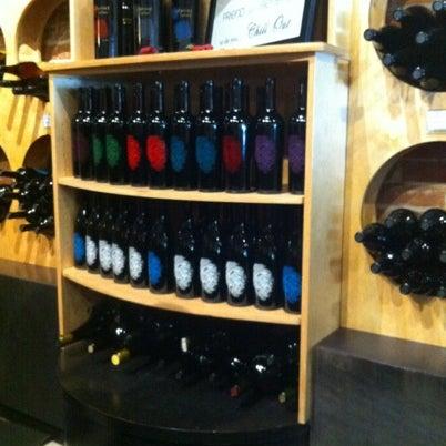 8/5/2012 tarihinde A S.ziyaretçi tarafından Thumbprint Cellars Tasting Room & Art Gallery'de çekilen fotoğraf