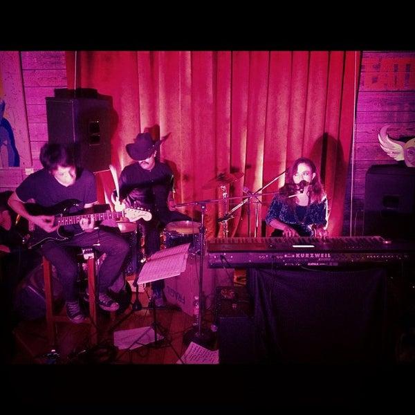 Das Foto wurde bei Viking - Arte Café Punto Zero von Luis H. am 8/6/2012 aufgenommen