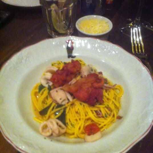 รูปภาพถ่ายที่ Bottega Bottagallo โดย Roseli เมื่อ 7/1/2012