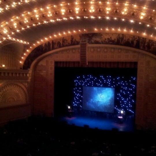 3/17/2012 tarihinde Carolyn K.ziyaretçi tarafından Auditorium Theatre'de çekilen fotoğraf
