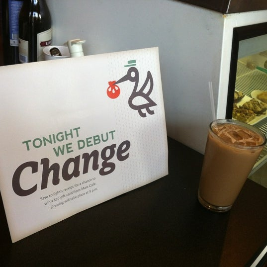 Снимок сделан в Mars Cafe пользователем Suzana S. 5/17/2012