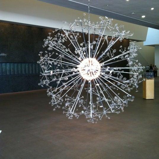 Снимок сделан в Phoenix Art Museum пользователем Tara A. 4/4/2012