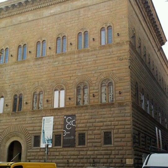 Photo prise au Palazzo Strozzi par Rosario P. le2/17/2012