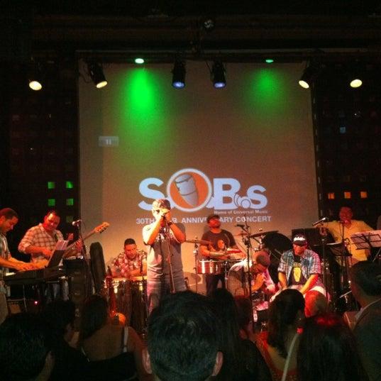 Снимок сделан в S.O.B.'s пользователем Susana L. 6/16/2012